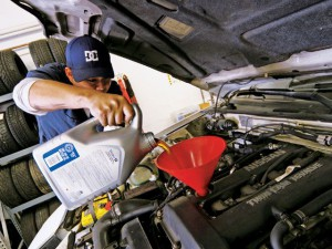Changing car oil and its benefits
